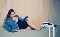 Pravá ženská krása v podání dokonalé Mirandy Kerr na jednoduchých, sportovně laděných záběrech