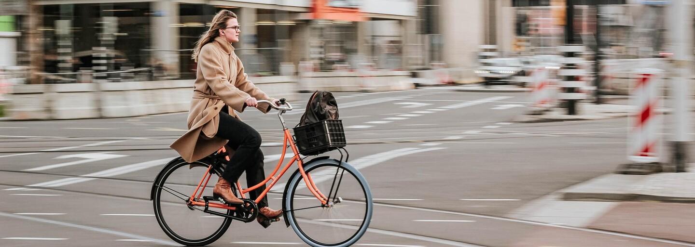 Pravidlá cestnej premávky, ktoré by cyklisti a kolobežkári nemali ignorovať