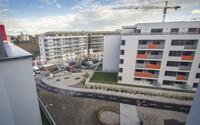Pravidlá pre hypotéky sú čoraz prísnejšie. Celú sumu na vysnívaný byt v Bratislave už nedostaneš. Aké máš ešte možnosti?