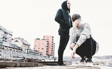 Pražské duo VR/NOBODY avizuje svoj debutový album s atmosferickým klipom z Berlína
