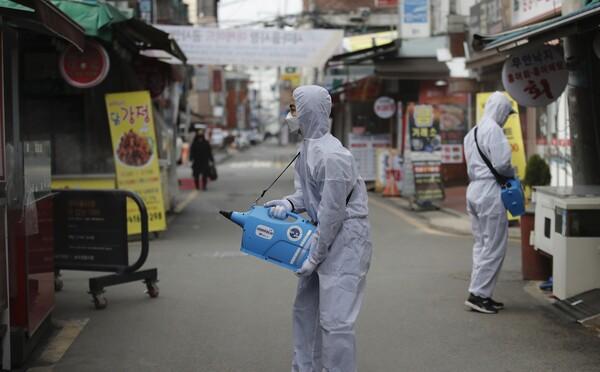 Pražské obchody by kvůli koronavirové epidemii mohly zavést omezení prodeje potravin. Jen určitý počet jídla na osobu
