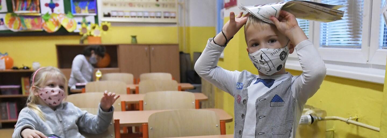 Pražskou školu kvůli covidu zavřeli. Děti přejdou na distanční výuku