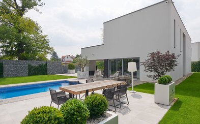 Pražský dům snů s bazénem, domácím kinem, kulečníkovou místností nebo Moët barem