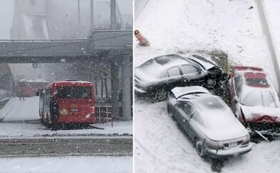 Prečo Bratislavu zdemoluje aj jemný poprašok snehu? Pár centimetrov je pre hlavné mesto ničivou kalamitou