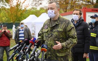 Prečo mal Milan Krajniak na tlačovke maskáče? Internet sa na ňom smial, minister však vysvetlil, o čo mu išlo