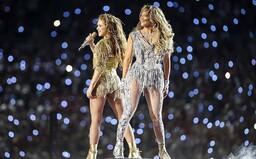 Proč nedostanou Shakira ani Jennifer Lopez zaplaceno za Super Bowl 2020 a co se dělo během poločasové show?