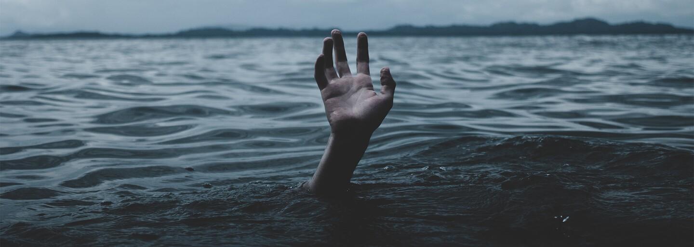 Prečo si neustále opakujeme bolestivé spomienky a nechceme sa ich vzdať?