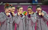 Prečo úspešní olympionici hryzú svoje medaily? Zvyk z minulosti má v dnešných časoch úplne odlišný význam