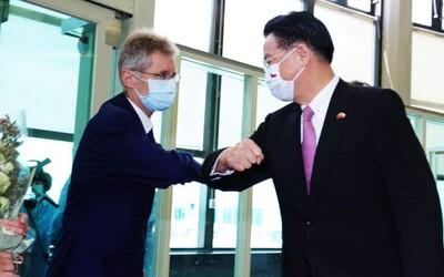 Předseda Senátu Miloš Vystrčil je na Tchaj-wanu. Svět mu tleská, Čína zuří