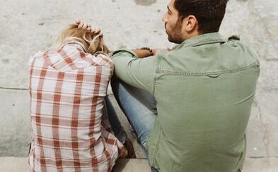 Prehliadaš aj ty emočné vydieranie vo vzťahu? Možno si ani neuvedomuješ, že si jeho obeťou