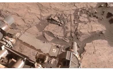 Prejdi sa po Marse vo fascinujúcom 360-stupňovom videu. Červenú planétu môžeš objavovať pomocou sondy Curiosity
