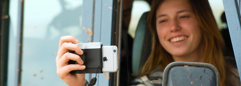Proměň svůj iPhone na klasický fotoaparát díky stylovému pouzdru. Obsahuje i užitečná tlačítka pracující na ultrazvukovém principu