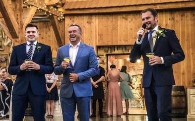 Premiér Matovič a iní politici oslavovali na svadbe bez rúška. Fotografie vyvolali vlnu kritiky