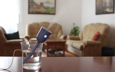 Přenosný zvlhčovač, který načerpá vodu z vaší sklenice, vytvořený ambiciózním Slovákem