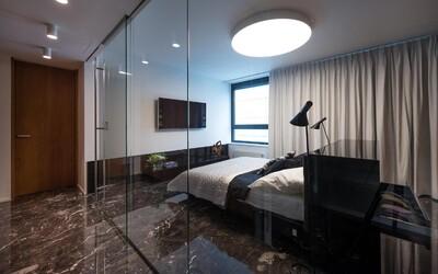 Presklená spálňa či mramorové podlahy. Byt v bratislavskom Riverparku je synonymom slovného spojenia luxusné bývanie