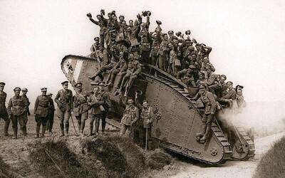 Presne pred 100 rokmi sa na bojisku objavil historicky prvý tank. Nebol síce dokonalý, no zmenil dejiny