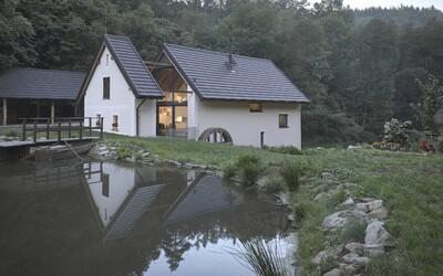 Přestavba českého historického mlýna na plnohodnotné bydlení 21. století