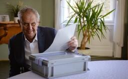 Prezident Miloš Zeman měl před návštěvou Vondráčka trénovat podpis