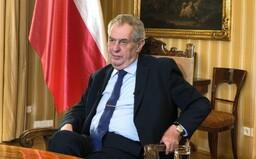 Prezident Zeman v projevu poděkoval Číně a vyzval k návštěvám domovů seniorů. Ty jsou ale zakázané