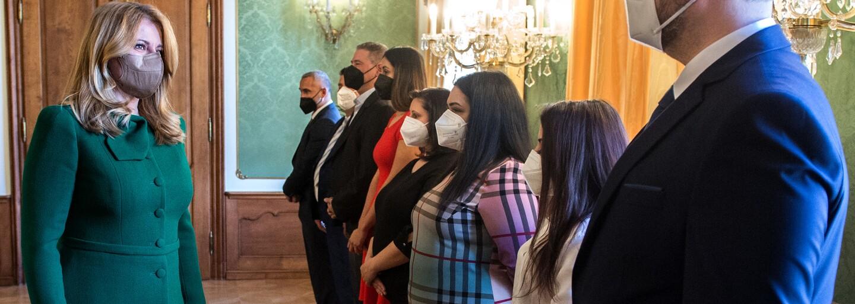 Prezidentka prijala Rómky a Rómov z prvej línie boja proti pandémii. Paľikerav, poďakovala im po rómsky za ich prácu