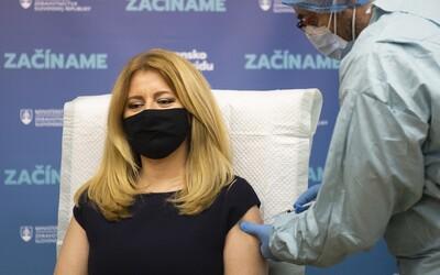 Prezidentku aj Vladimíra Krčméryho druhýkrát zaočkovali proti COVID-19. Druhú vakcínu na Slovensku dostalo už 582 ľudí