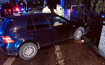Pri dopravnej nehode v Žiline zranilo auto tri študentky na chodníku