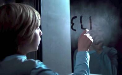 Pri liečbe genetickej poruchy vidí mladý chlapec duchov. Horor Eli na Netflixe prekvapí svojím záverom