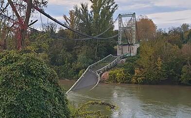 Pri páde mosta vo Francúzsku zomrelo 15-ročné dievča. Ďalšie obete nehody sú v ohrození života