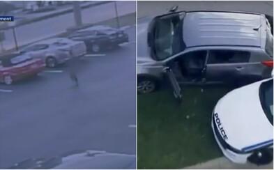 Príbeh ako z GTA. Nahý muž zrejme vyskočil z okna druhého poschodia, ukradol auto a nakoniec postrelil policajta