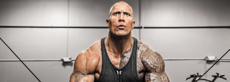 Príbuzným The Rocka by si chcel byť aj ty. Svojej rodine rozdáva drahé autá akoby šlo o cukríky