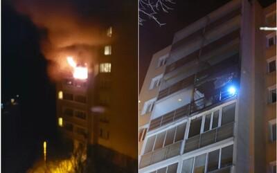 Príčinou požiaru v košickej bytovke bola pravdepodobne sviečka adventného venca, nie výbuch plynu