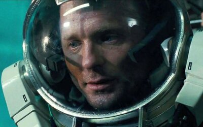 Priepasť Jamesa Camerona je úchvatným podmorským sci-fi, ktoré ostalo v tieni jeho slávnejších filmov
