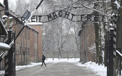 Pripomíname si 75 rokov od oslobodenia nacistického koncentračného tábora Auschwitz, kde zavraždili aj desaťtisíce Slovákov