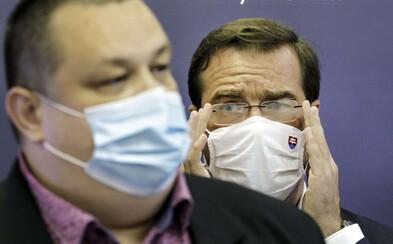 Pripravte sa na sprísnenie opatrení, varuje rezort zdravotníctva. Očakáva silnejšiu druhú vlnu