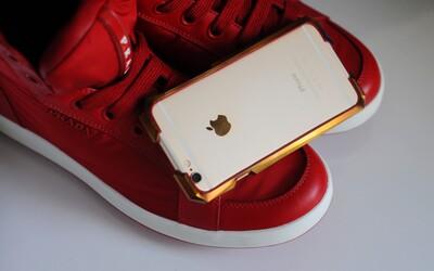 Příslušenství dražší než iPhone. Titanový kryt Advent s 24karátovým zlatem stojí přes 27 tisíc korun