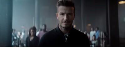 Príťažlivý David Beckham hrá biliard v novej kampani pre H&M