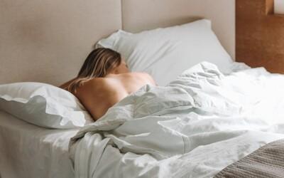 Priveľa spánku môže zvýšiť riziko infarktu. Ublížiť ti môže spánok dlhší ako 9 hodín denne