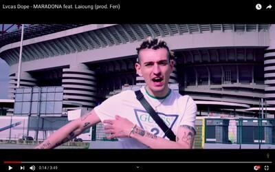 Pro mě už jsi dva roky mrtvej, vzkazuje Lvcas Dope ve skladbě s italským raperem Laioungem