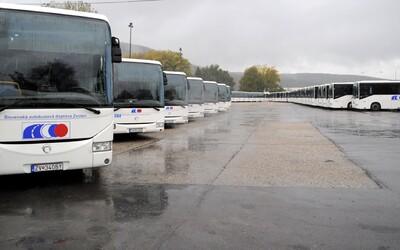 Problém je na chvíľu zažehnaný. Od pondelka by mali znova premávať autobusy v bystrickom kraji