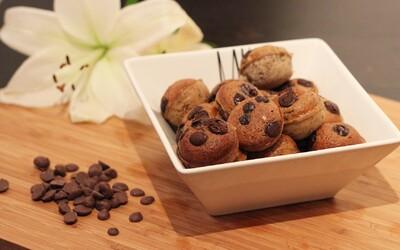Proteínové mini-koláčiky s arašidovým maslom a nádychom čokolády (recept)
