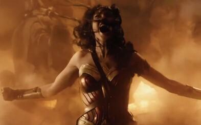 Prvé ohlasy na Wonder Woman prirovnávajú film k jednej z prvých marveloviek. Ako bonus tu máme aj čerstvé zábery