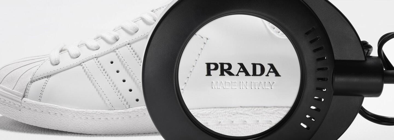 První záběry luxusní spolupráce Prada x adidas jsou venku