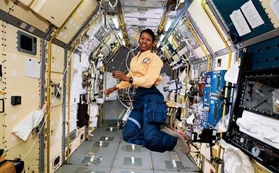 První Afroameričanka ve vesmíru zachránila život, čelila rasismu a pomáhala v Africe