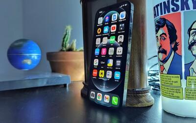 První dojmy z iPhonu 12 Pro Max: Technologická revoluce se nekoná, více se posunul v designu