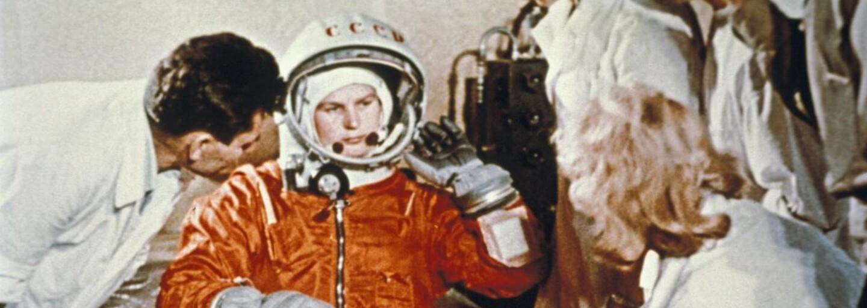První žena ve vesmíru zvracela a plakala, přesto se jí podařilo bezpečně vrátit na Zemi a navždy přepsat dějiny