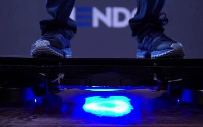 Prvý skutočný hoverboard si už omakal aj Tony Hawk