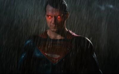 Prvý TV Spot pre BvS odhaľuje Batmanov Batwing ako hlavnú zbraň proti Supermanovi