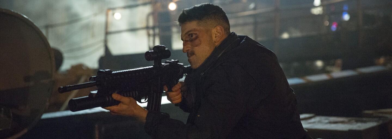 Punisher se při natáčení druhé série bil se zlomenou rukou a několikrát dostal na place K.O.