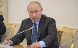 Putin ide do karantény. Verí však, že vakcína ho dostatočne chráni proti covidu-19
