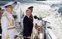 Putin opět slibuje armádě nejmodernější jaderné zbraně. Rusko přitom zažívá obrovský ekonomický propad